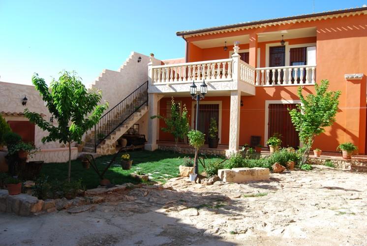 Casa naval n casa rural de lujo en el peral cuenca for Casas modernas rurales